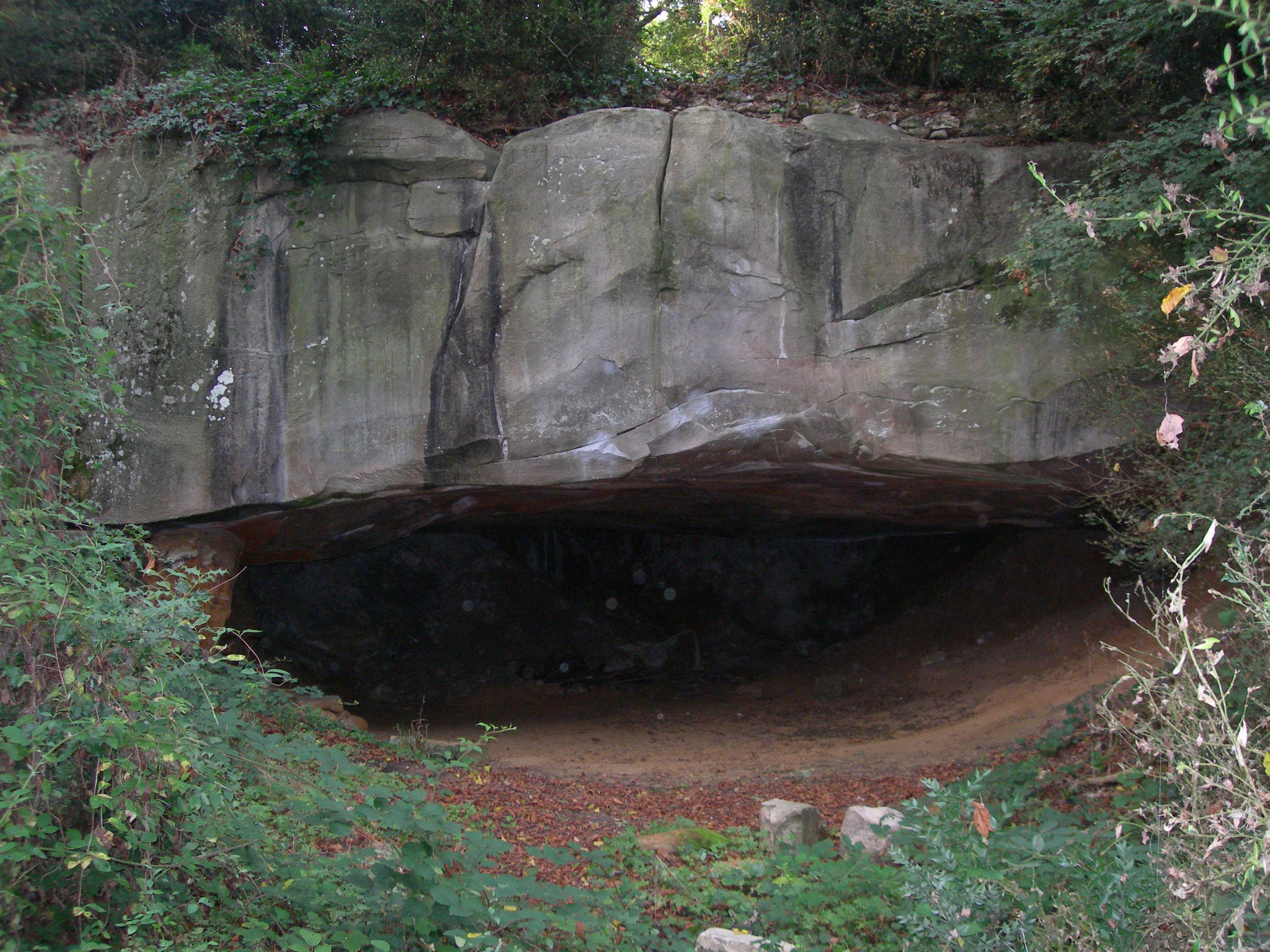 Toit d'Orsay - Grotte de Corbeville